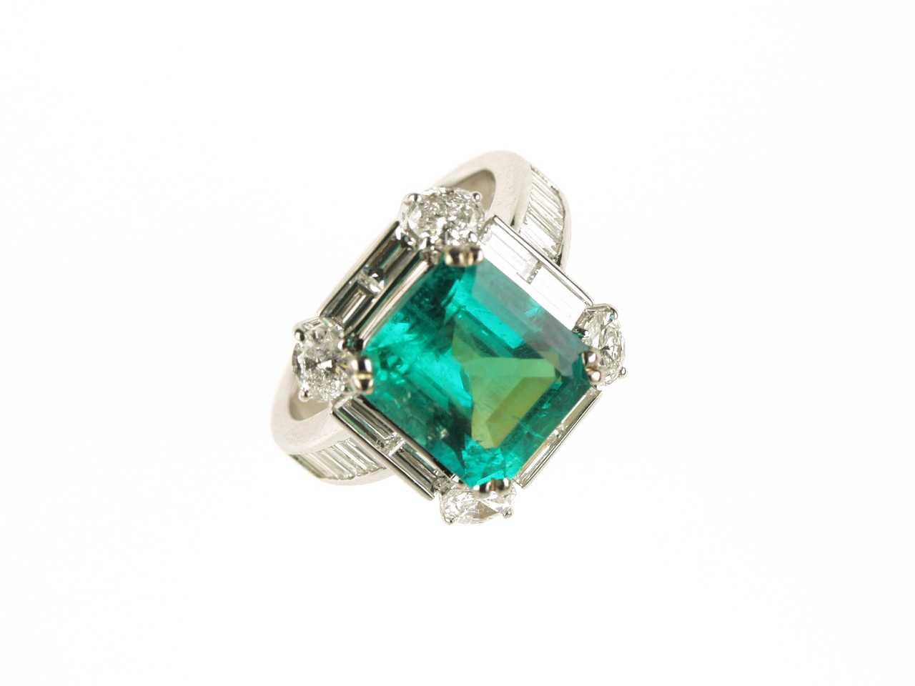 Smaragd schmuck  CC-Pearls, Perlen und Schmuck, pearls and jewellery, Schliessen ...